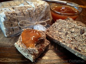 Apricot-Banana-Bread-and-Apricot-Spread2